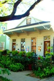 Henderson Auctions Katrina Cottages by Walking To Work T H E V I S U A L V A M P