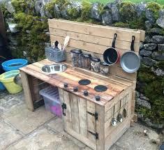 les enfants en cuisine cuisine pour enfants à l extérieur des idées diy adorables
