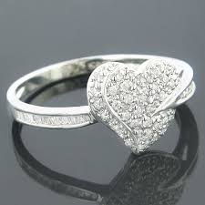 heart shaped engagement ring gold heart shaped diamond ring baguette 24ct