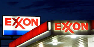 Flag Display Rules Exxon Owes 19 95 Million For Pollution From Texas Refinery Judge