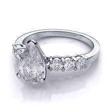 shaped engagement ring pear shaped diamond sidestones engagement ring platinum 60ctw