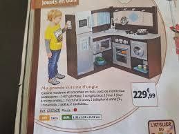 cuisine pour jouer une cuisine miniature pour la salle de jeux nounou de rêve