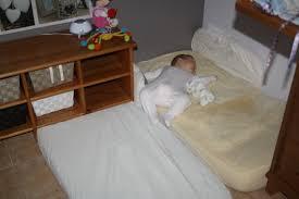 chambre bébé montessori vos expériences de chambre de bébé montessori mamans nature