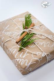 gift wrap ideas using craft paper and nature wraps brown and craft