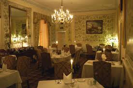 DINING AT FERNIE Fernie Castle - Castle dining room