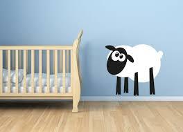 stickers mouton chambre bébé sticker mural mouton à la blanche dans chambre de bébé enfant