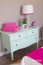 decorating a small bedroom for a little