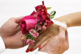 Where Can I Buy A Corsage And Boutonniere For Prom Corsage Etiquette For Proms And Weddings Ftd Com