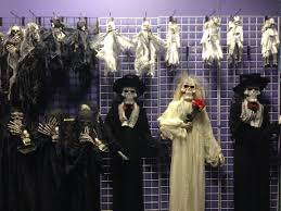 Halloween Town Burbank Ca by Ten Top Notch Costume Spots To Get Ready For Halloween