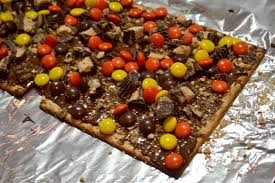 peanut butter lover u0027s chocolate matzo bark u2013 i am a honey bee