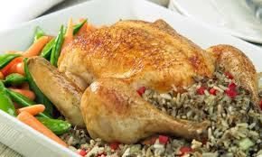 cuisiner poulet entier poulet entier farci au riz sauvage le poulet du québec
