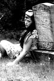 108 best horror pin up images on pinterest zombie pin up zombie