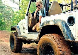 muddy jeep girls 19 pictures that prove girls who drive jeeps have more fun whiskey