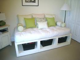 daybed diy daybed couch best ideas on build a platform bed and