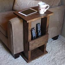 Diy Reclaimed Wood Side Table by Best 25 Pallet Side Table Ideas On Pinterest Diy Living Room