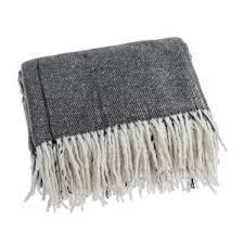 plaid canap gris plaid canap gris fabulous coton tricot fil couverture noir gris