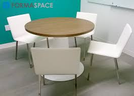5 ways custom conference tables can help you make better decisions