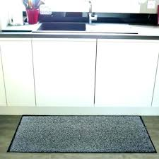 tapis pour cuisine tapis cuisine design tapis cuisine lavable signe tapis tissac plat