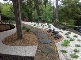 desert landscaping ideas california native pea gravel pebbles