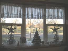 Ideas For Window Decorations At Christmas by Windows Decorating Windows For Christmas Inspiration Decorated