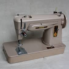 singer sewing machine photo gallery to identify models