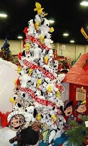 snoopy tree snoopy christmas wreath snoopy wreath snoopy decorations peanuts