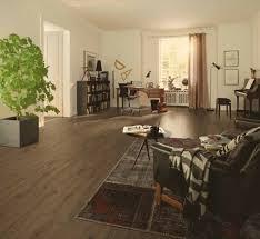 Walnut Laminate Flooring Uk Egger Medium 11mm Hudson Walnut Laminate Flooring H1068