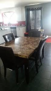 set de cuisine kijiji set de cuisine marbre avec 4 chaises mobilier de salle à manger