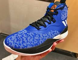 d roses a look at the adidas d 8 knicks yes knicks