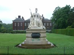 kensington palace tripadvisor queen victoria statue with kensington palace in the background