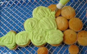 dinosaur cupcakes dinosaur cupcake cake my cake school