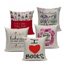 coussins originaux canapé acheter coussin décoratif inscription livres housse de coussin