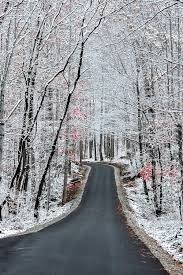 gatlinburg tennessee wintertime is beautiful and not nearly as