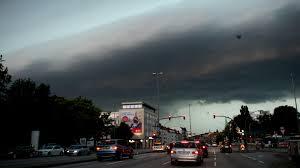 Baden Blitz Unwettergefahr So Geht Es Mit Blitz Donner Hagel Regen Und