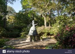 statue of queen elizabeth i at elizabethan gardens manteo north