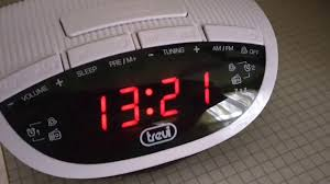 Karlsson Orologio by Trevi Rc 825 D White Clock Radio Rc Definizioni Di Rc