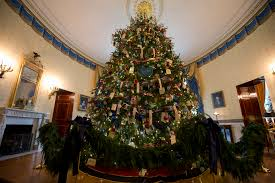 When Does The White House Get Decorated For Christmas White House Staff Pranks President Obama With Creepy Snowmen