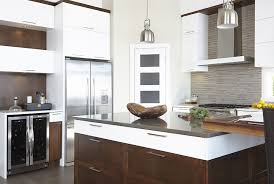mdf cuisine armoires de cuisine contemporaine en mdf blanc et merisier simard