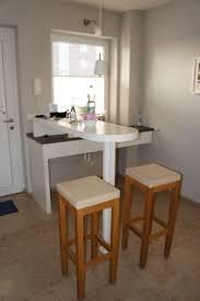 stehtisch küche küche stehtisch und spülbereich im jaich boardinghouse