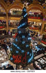 paris france christmas tree holiday decorations people shopping