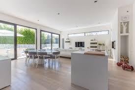 maison interieur bois architecture épurée et design minimaliste pour une maison ossature