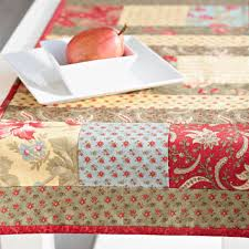 how to make table runner at home charming floral table runner allpeoplequilt com