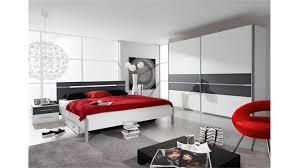 schlafzimmer grau weiss