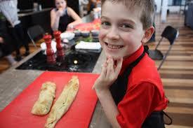 cours de cuisine en famille cours de cuisine pour enfants famille au menu