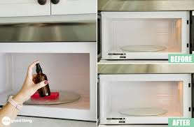 what s the best thing to clean kitchen cabinets with how to clean a microwave with and without vinegar