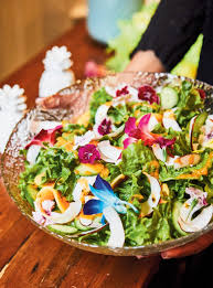 la cuisine de ricardo recette de salade verte et vinaigrette à la papaye de ricardo