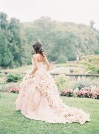 brautkleider mit langer schleppe und schleier brautkleid mit langer schleppe in rosa frauenmode