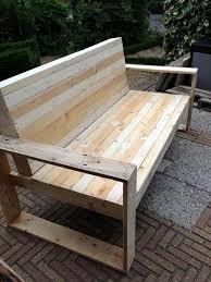 comment fabriquer un canapé en bois de palette construire un banc en palette aménagement palettes