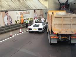 truck lamborghini car crash lamborghini aventador hit by construction truck in hong