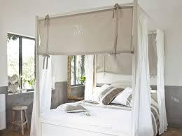chambre lit baldaquin lit baldaquin chambre espaces de la maison lit